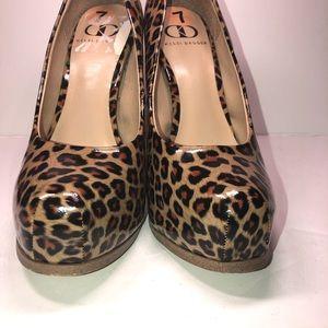 Kelsi Dagger animal print heels size 7